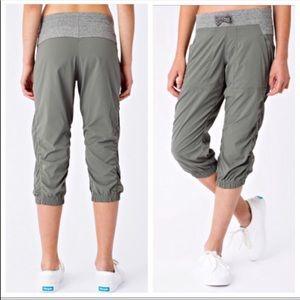 Ivivva grey Slate Live to Move Crop Pants 14 A9